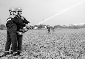 Wasser Marsch am Strahlrohr